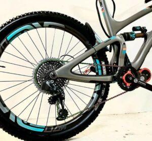 Bicicleta adaptada con motor Paradox